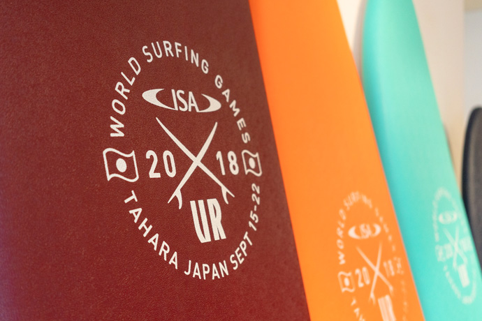 """2018 URBAN RESEARCH ISA WORLD SURFING GAMES""<br>大会記念ソフトボードがメインスポンサーであるアーバンリサーチより発売!"