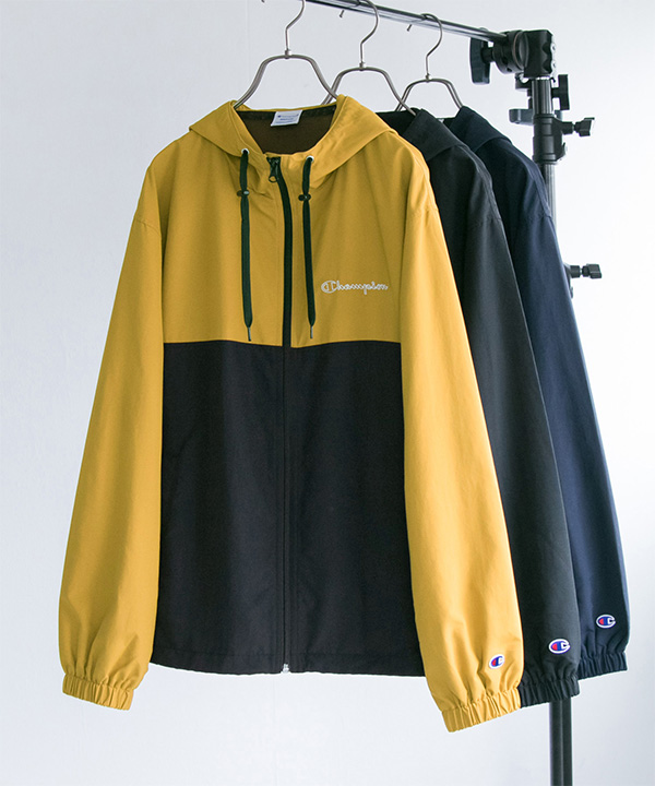 Champion × URBAN RESEARCH 別注撥水ナイロンパーカー